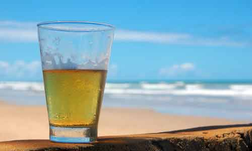 Beer_on_The_Beach-Rodrigo-Menezes-home
