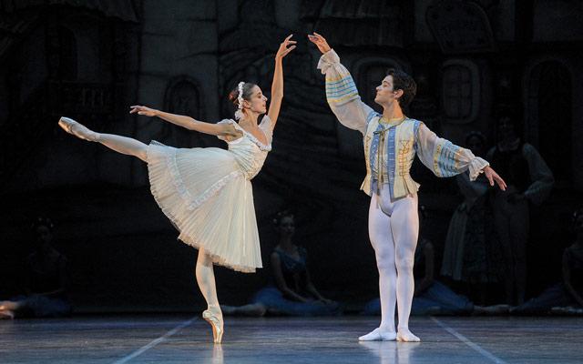 Coppelia Ballet Nacional Sodre Teatros del Canal Temporada 2016 2017 Foto Santiago Barreiro